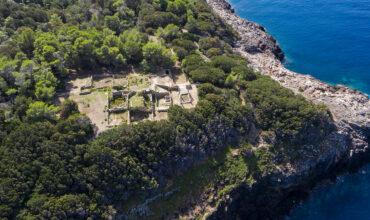 Veduta della Villa romana dei Domizi Enobarbi, Isola di Giannutri